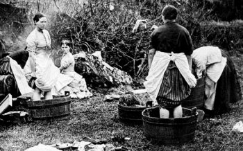 Old Photograph Washerwomen River Clyde Scotland